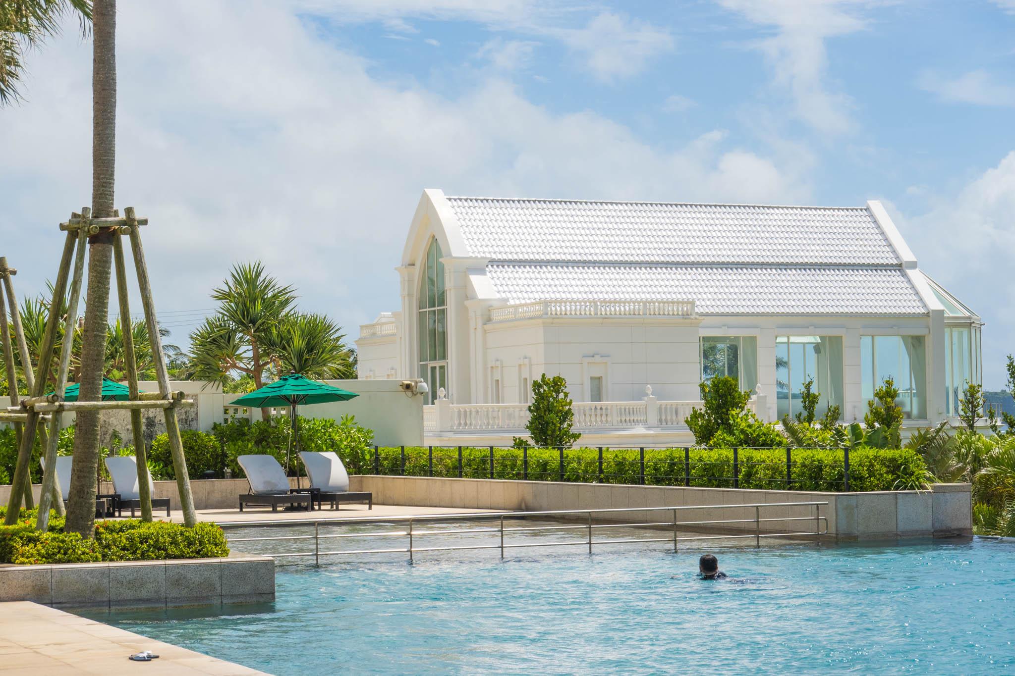 沖縄 DAY4 / プライベートビーチとリゾートプールを満喫
