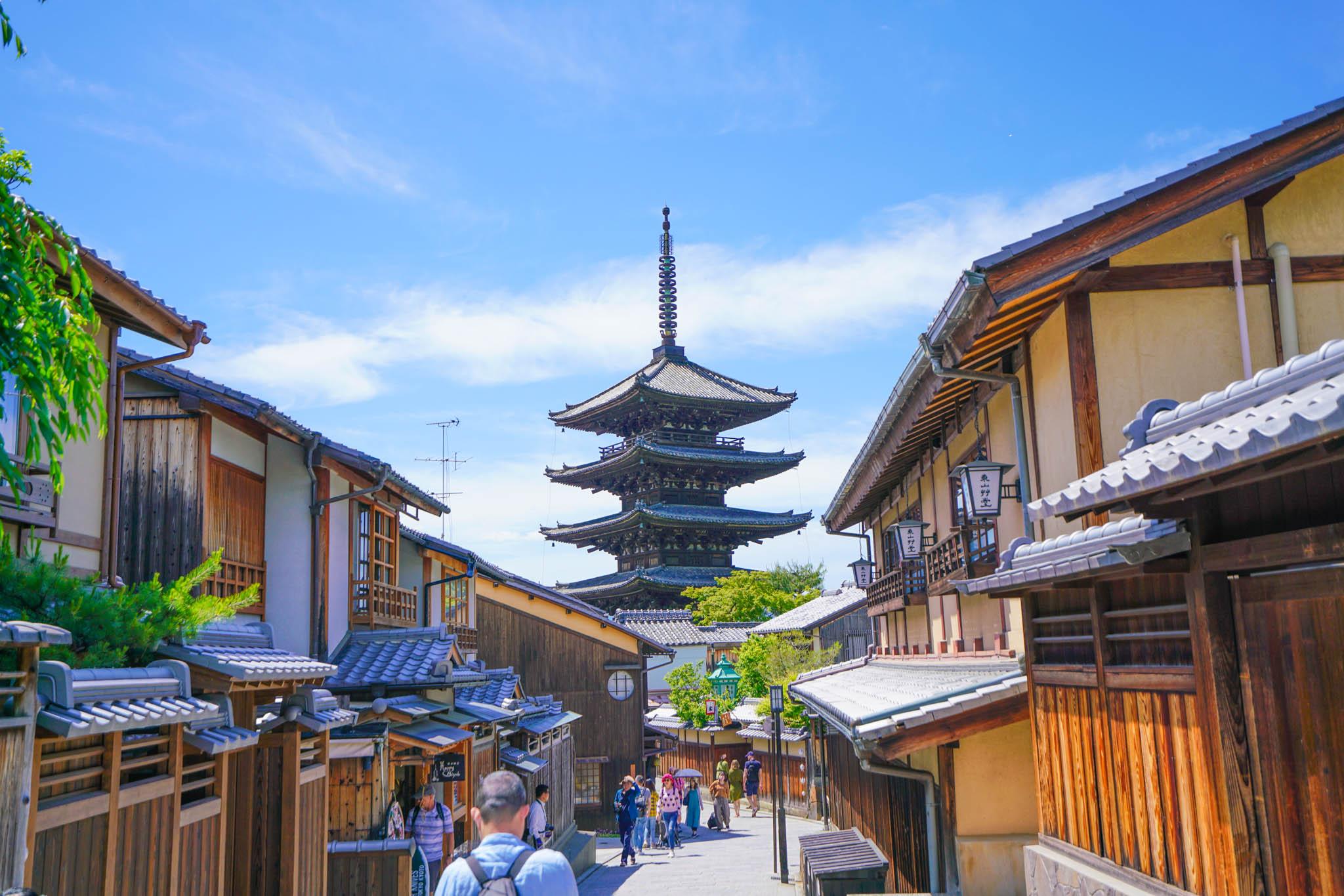 大阪・京都 / Day3 / Ryosenで鯖の煮付け → 錦市場 → 祇園 → 東山